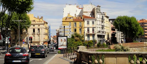 Perpignan er en by på størrelse med Drammen. Den regnes som en katalansk by, selv om den ligger i Frankrike.