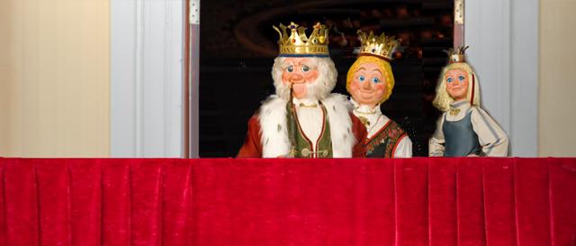 Kongefamilien, slik vi egentlig ønsker dem? (Bildemontasjen er basert på grafikk fra Hunderfossen familiepark. Det er nemlig der du treffer modellene av den perfekte kongefamilien!)