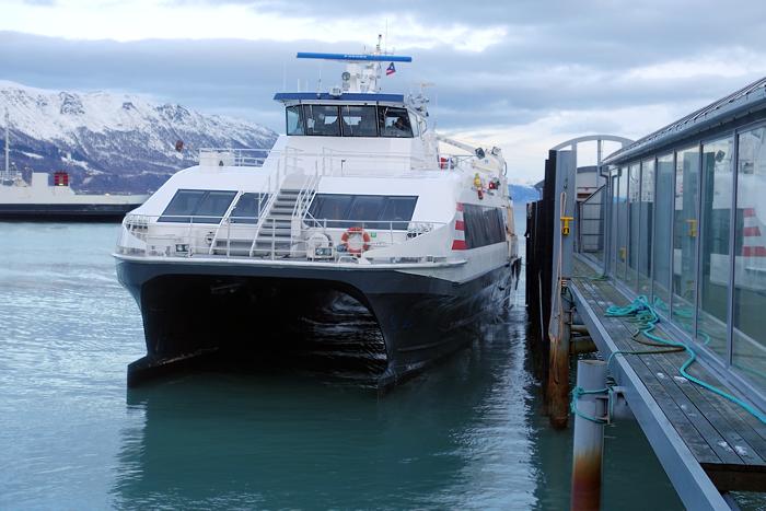 Snøggbåten er et viktig bindeledd for travle forretningsmenn.