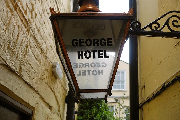 Hotellet er fra 1600-tallet. Colchester er Englands eldste by.