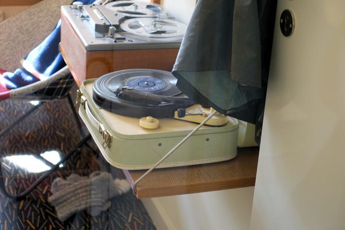 Reisegrammofonen var ganske vanlig, men få ungdomsrom hadde egen lydbåndopptaker.