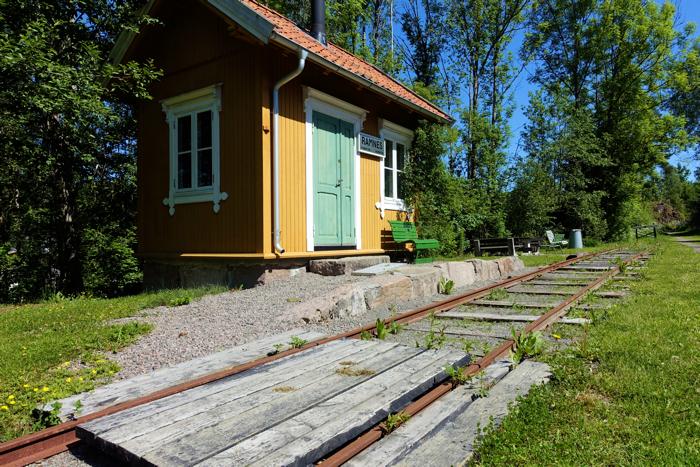 Ramnes stasjon var en liten varmestue langs Eidsfossbanen.