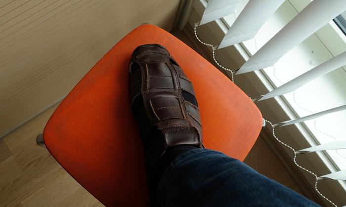 Motepolitiets skrekk: Sokker i sandalene.