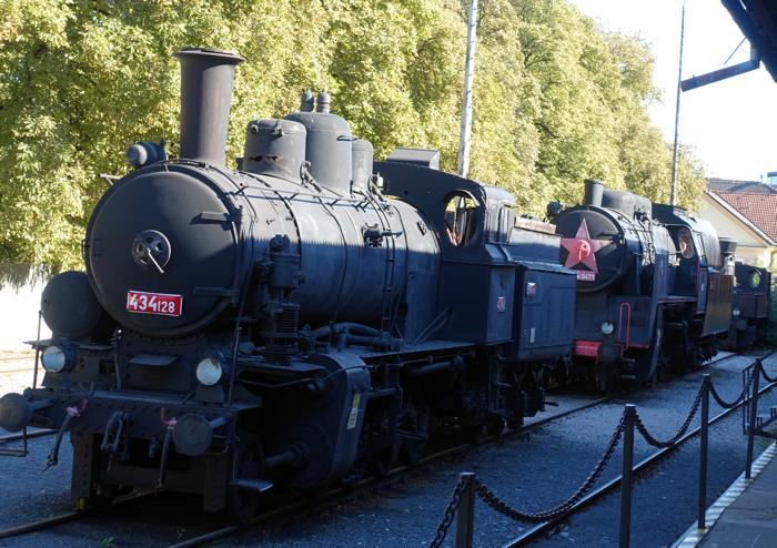 Gamle lokomotiver i Bratislavas transportmuseum.
